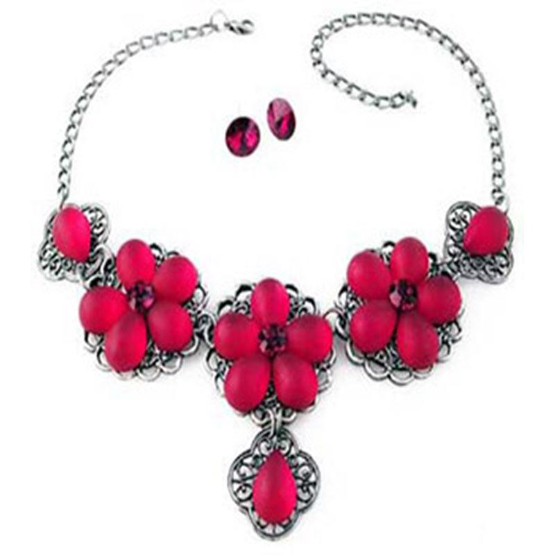 Red flower necklace set with Swarovski