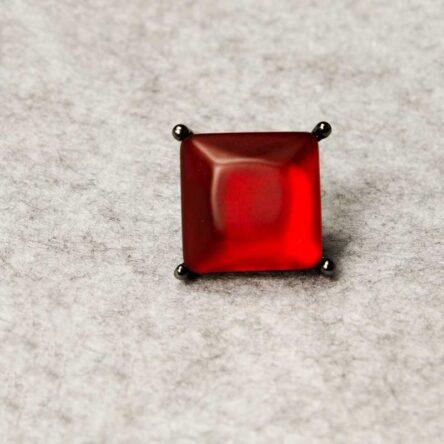 Roter Ring Resina