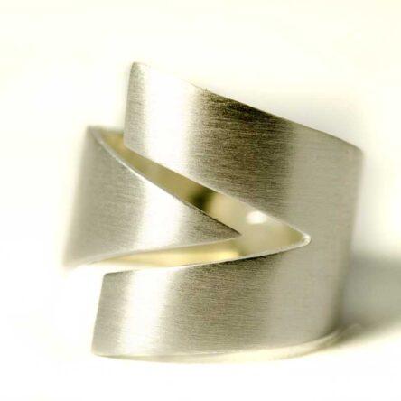 V Zilveren Ring